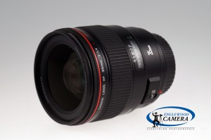 Canon EF 35mm f/1.4L USM with hood