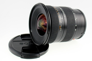 Sony A 11-18mm f/4.5-5.6G with lens hood