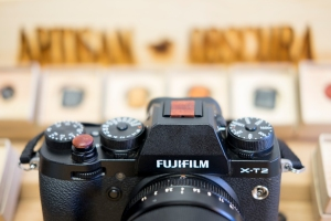 Bloodwood soft release button with bloodwood hotshoe cover on Fujifilm X-T2